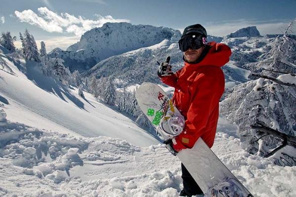 winter-snowboard1044486DA-4070-67E2-0AC0-FD0097EE7384.jpg